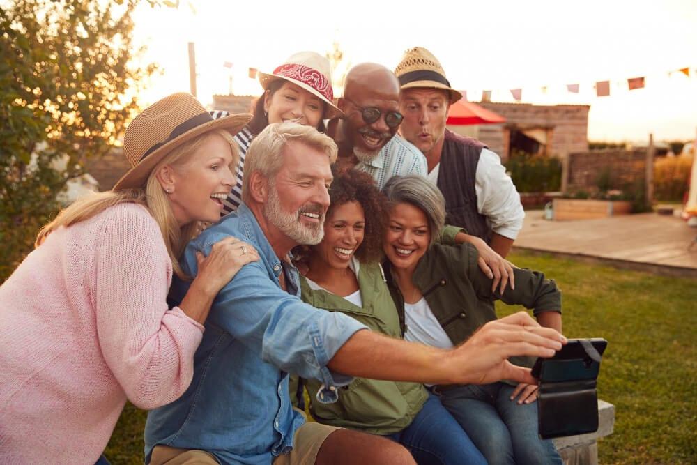Group Selfie Relive Great Memories